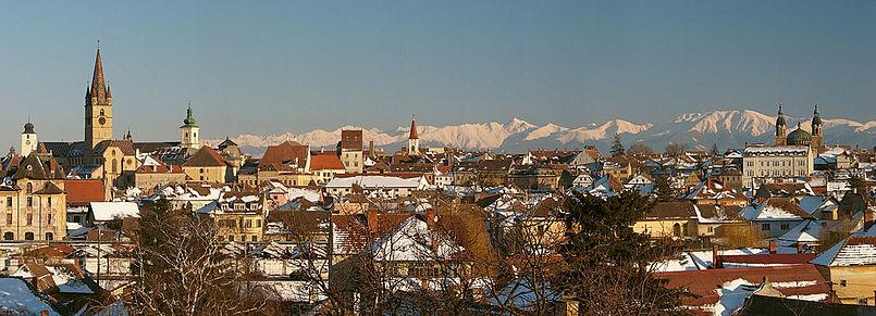 805px-Panoramic-Sibiu