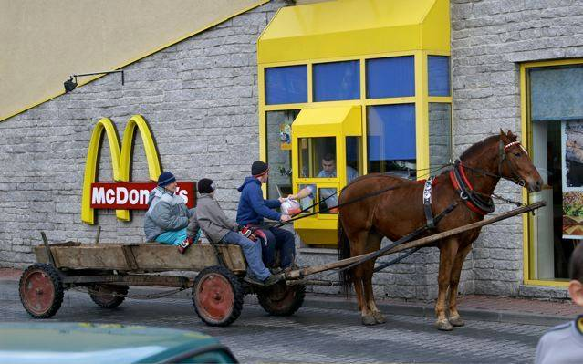 mcdonalds-drive-through-in-romania-horse1